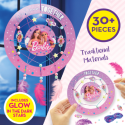 Dream big with Barbie Dreamcatcher Kit! Using traditional materials the set includes two part hoop featuring Barbie Artwork, cool rainbow wool, glow in the dark stars, beads, feathers and character tags to customise your design!