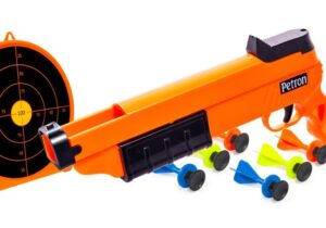 The Petron Sureshot Pistol and Target Combo Pack includes the Sureshot Crossbow, Sureshot Target and 6 Sureshot sucker darts.