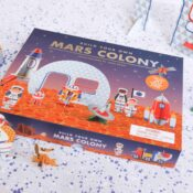 This space-age set contains everythingThis space-age set contains everything an explorer needs to create the ultimate Mars colony, from colourful astronauts and space vehicles to adorable astro-pets. Easy to put together, this is a charming set to assemble and play!