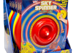 Following on from the success of the Sky Spinner comes the Sky Spinner Ultra LED - the next level ultimate trick disc! With a super high speed ball-bearing, incredible 10 minute spin times are possible.