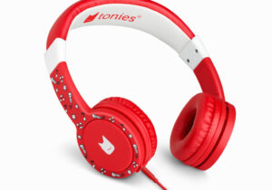 Tonies Headphones allow children to listen to stories, music and audio content directly from their Toniebox. The adjustable headband and earpads mean when your little listener grows, your Tonies Headphones grow too! Available in 6 colours.   Launching Q2 2021