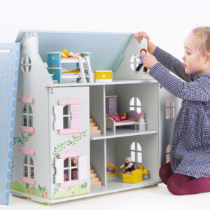 Tidlo Ivy House is awaiting a little ones magic touch to make a house a home! Beautifully constructed from wood, the Tidlo Ivy House is a 2-storey doll house featuring lift-back roof pieces for easy access to the loft.