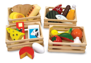 Making it easy to plan a well balanced diet, this wooden set features items from the five food groups. Includes watermelon, milk, cheese, fish, egg and much more!
