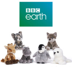 There are 18 super-soft and cuddly soft toy animals in Posh Paws officially licensed BBC range. We use only 100% recycled plastic for the stuffing, so our products are eco-friendly. Suitable for ages 12M+.