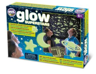 Recreate the universe in your room using the self-adhesive pads. Includes 150 plastic glow planets, stars, meteorites and more. Plus over 350 The Original Glowstars Company paper glowstars – over 500 glow shapes in total. Includes fun space facts leaflet.