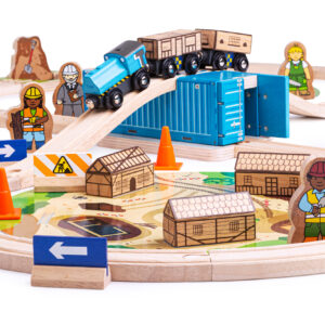 Dig into a world of construction fun with the NEW Bigjigs Rail construction range. This 50 piece rail set includes 2 illustrated play mats, container tunnel with working doors and a special burst pipe piece of track.