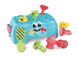 A work table with three tools – a hammer, a screwdriver and a wrench. With 6 accessories including bolts, nuts and screws. Becomes a practical tool box that little ones can carry
