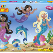 The Mermaids Large Activity Box includes approximately 4,000 beads, 2 pegboards; 234 (Large Square), 2 Hama gems, colour printed design sheet, instructions and ironing paper. Best Seller!