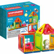 NEW FOR 2021 the Magformers Cube House Penguin set comprises 20 pieces, including a cute character with swappable Penguin and Bear hats. With 10 magnetic pieces and a host of accessories, this is a super starter set.