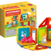 NEW! The Magformers Cube House Frog set comprises 20 pieces, including a cute character with swappable Frog and Seal hats. With 10 magnetic pieces (different to Penguin set) and a host of accessories, this is a super starter set.