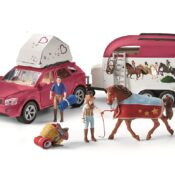 With the 4X4, horse trailer and tent for the overnight stay, every horse trip is an adventure. Includes 2 fully movable figures and horse figurine.