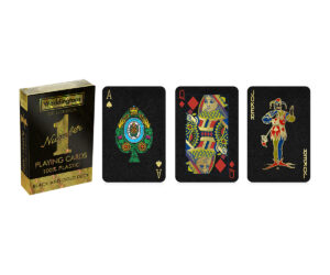Made from superior quality materials, these glossy black and gold Waddingtons Playing Cards are perfect for kids, friends and families of all ages.
