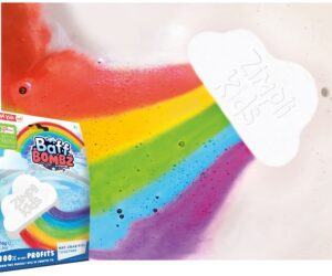 Gently float the special effects Rainbow Baff Bomb into your bath water and watch it release an amazing rainbow trail. 100% Safe, Stain free and Biodegradable! 100% of net profits are donated to NHS Charities Together.
