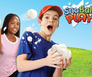 Zimpli Kids SnoBall range transforms water into realistic snow that allows you to create and mould your very own snowballs! The texture of the SnoBall powder makes it perfect for sensory and messy play! 100% Safe outdoor fun.