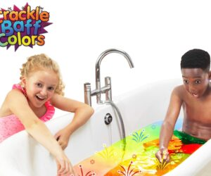 Add some excitement to bath time with Crackle Baff Colours! Sprinkle the powder over your bath water and listen to it crackle, pop and magically change colour. 100% Safe and biodegradable.